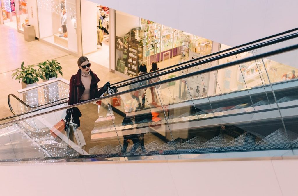 Can more entertainment save America's shopping malls?